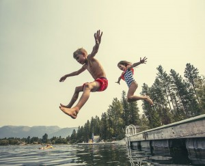 Kids jumping into water electric shock drowning
